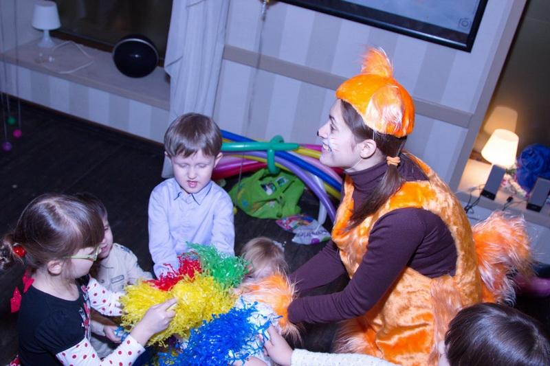 Заказать анаматоров ребенку Бережковский мост детский праздник поздравляем мам и пап